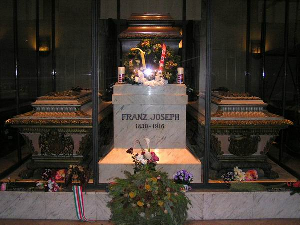 François Joseph Ier 240%20Wien%2005%20-%20Kapuzinergruft%20Franz%20Joseph%20-%20Sissi%20-%20